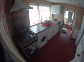 Plaistow Double room shared livingroom and garden 660 bill included sky tv and broadband fibre