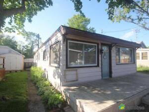 $119,900 - Bungalow for sale in Kingsville