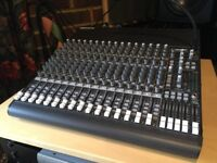 Mackie CR1604-VLZ 16 channel mixer as new