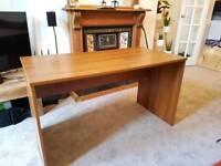 Computer/Office desk solid 131cm x 67cm x 74cm (h)