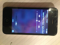 Apple iPhone 4 - 8GB - White (Unlocked) Smartphone in very good condition