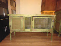 4ft rabbit /guinea pig hutch in forest green