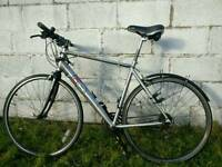 Diamondback R10 road hybrid bike