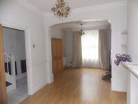 ***TWO BEDROOM HOUSE AVAILABLE TO RENT ON OLD FORD ROAD, NEAR VICTORIA PARK E2 9BT*** WITH GARDEN