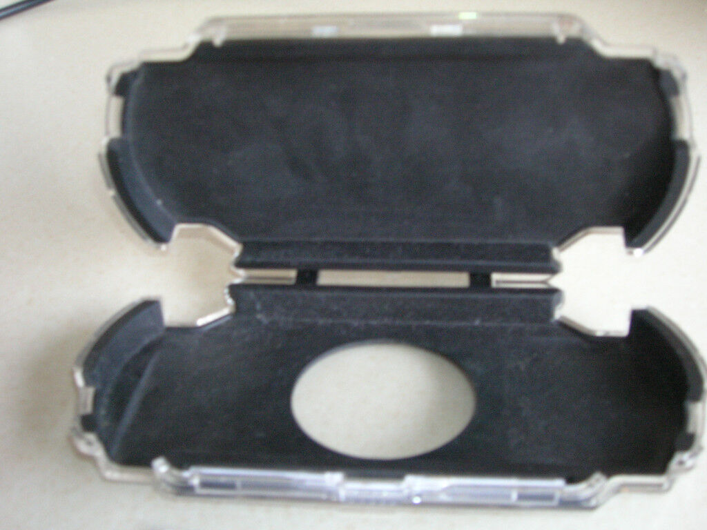 LOGITECH PLAY GEAR PROTECTIVE CASE FOR PSP
