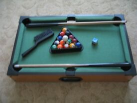 MINI-TABLE-TOP-POOL-SNOOKER-SET-CHILDRENS-CUE-BALLS-TOY-SNOOKER-MINI-TABLE-TOP-POOL-SNOOKER