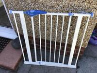 Stairs safety gate