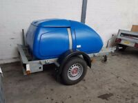 1000L Western Water Bowser Blue Fixed to Trailer. Round Tow Pin connection W Electrics