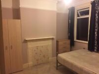 Double room in Walthamstow with free parking / All Bills Inc. / Zone 3
