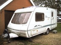 Swift Challenger 480SE 2002 2 berth Caravan with full awning and motor mover VGC