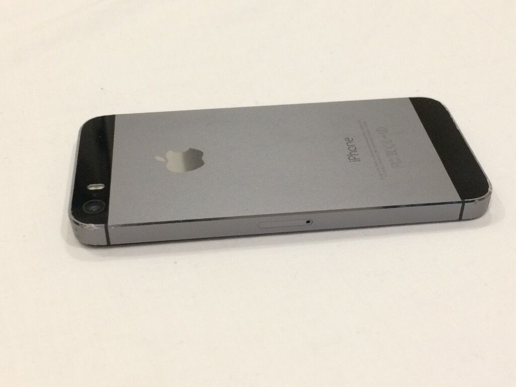 iPhone 5S 32GB Space GreyUnlockedUsed (Good Conditionin Putney, LondonGumtree - iPhone 5S 32GB Space Grey (Factory Unlocked) Good working condition. Some minor scratches around the sides and on the screen no large scratches or cracks. Two things to note 1) Touch ID doesnt work. The home button stopped working at one point so I...