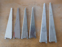 £1 each / all 6 for £5 - assorted sizes metal Spur brackets