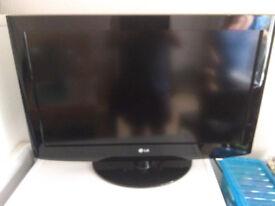 "LG Television 32"""