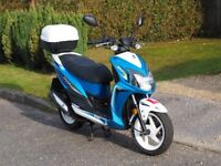 2017 SYM Jet 4 R 50cc - Excellent condition with locking rear helmet box perfect first bike