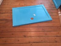 Ideal Standard shower tray. 120 x 80 x 4 cms