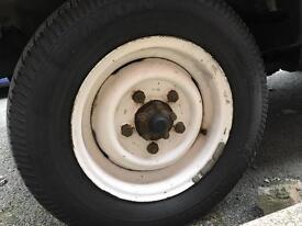 Land Rover defender 90 wheels with tyres