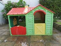 KETER GARDEN VILLA PLAY HOUSE ONLY £45