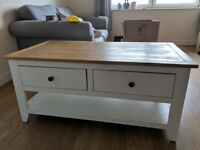 Coffee table/small sideboard