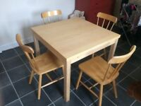 Dinning table and four chairs - extendable - £60.00 ono