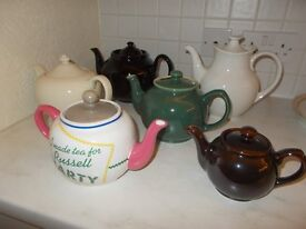 6 tea pots (only used as display)