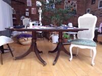 LARGE 6/8 SEATER REGENCY STYLE SOLID WOOD DINING TABLE IN GOOD CONDITION FREE LOCAL DELIVERY