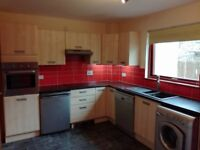 2 bedroom townhouse with private parking and secluded garden