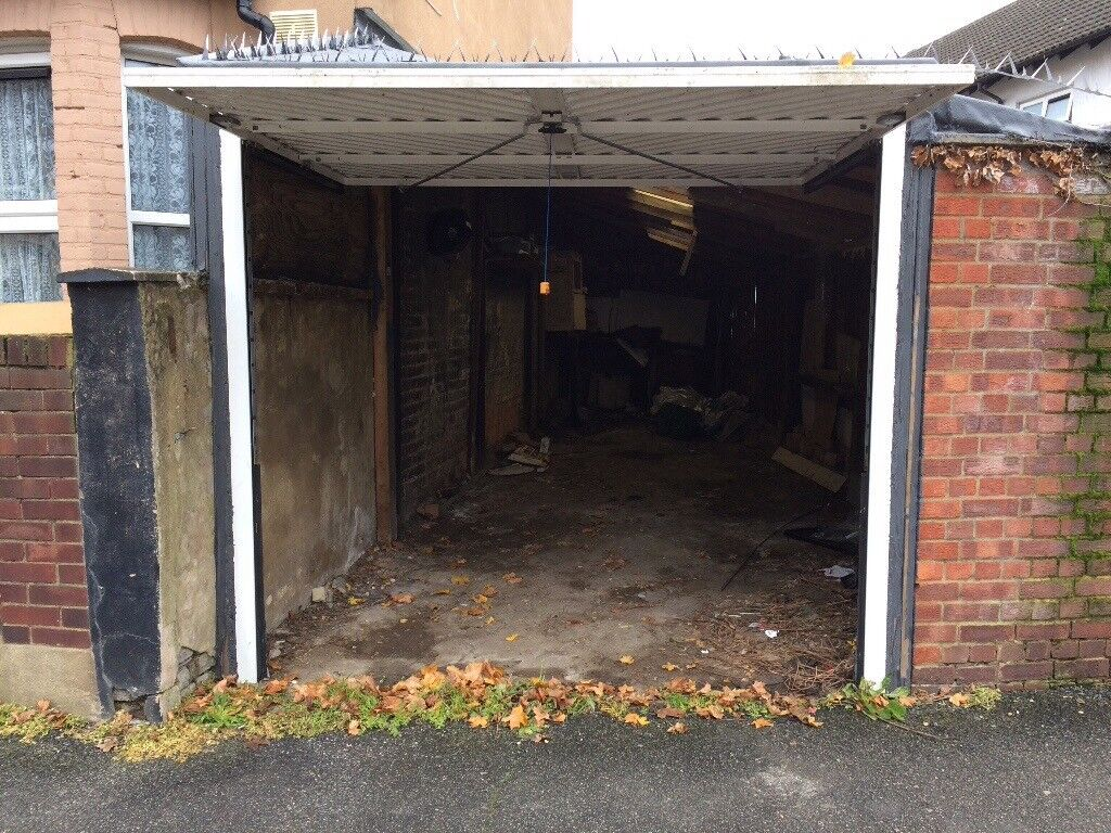 Large Freehold Garage For Sale In E17 Walthamstow Area