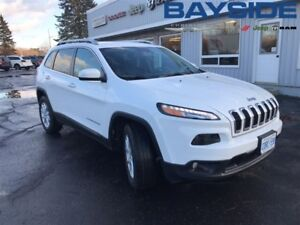 2017 Jeep Cherokee North, VERY LOW MILEAGE