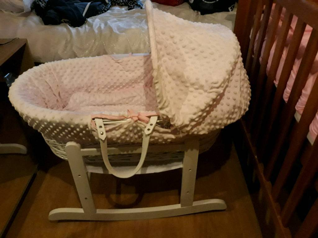 Pink dimple Moses basket in white wicker