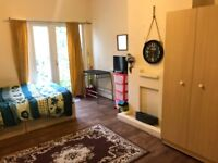 Large Double Room to Rent in East London, Forest Gate, E7, Forest Gate Station