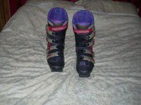 Gents Solomon Ski Boots Size 10