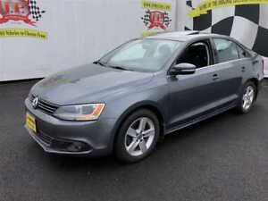 2011 Volkswagen Jetta Comfortline, Auto, Sunroof, Heated Seats,
