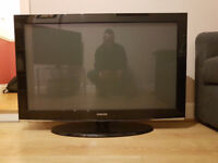 """Samsung 42"""" HD Plasma TV 720p (PS-42A457P1D) Full working order with remote+stand"""