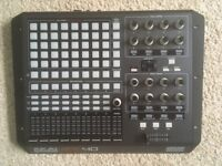 Aka APC40 mk1 - Mint Condition - Incl. All Cables & Box