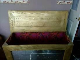 Wood chest box