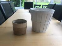 2x plant pots free for collection