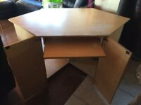 Computer desk, good condition, from a non smoking pet free house