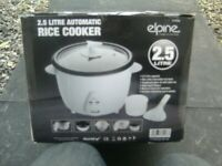 ONE,BRAND NEW,STILL BOXED,WRAPPED,RICE COOKER,2.5 LITRE,WITH EXTRAS,