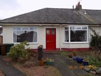 House to let in very good area with large mature garden. 2/ 3 double bedrooms.