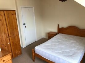 Double Room with En-suite in Exeter