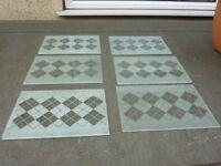6x glass place mats.