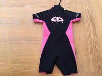 Pink short wetsuit - should fit kid age 3-4