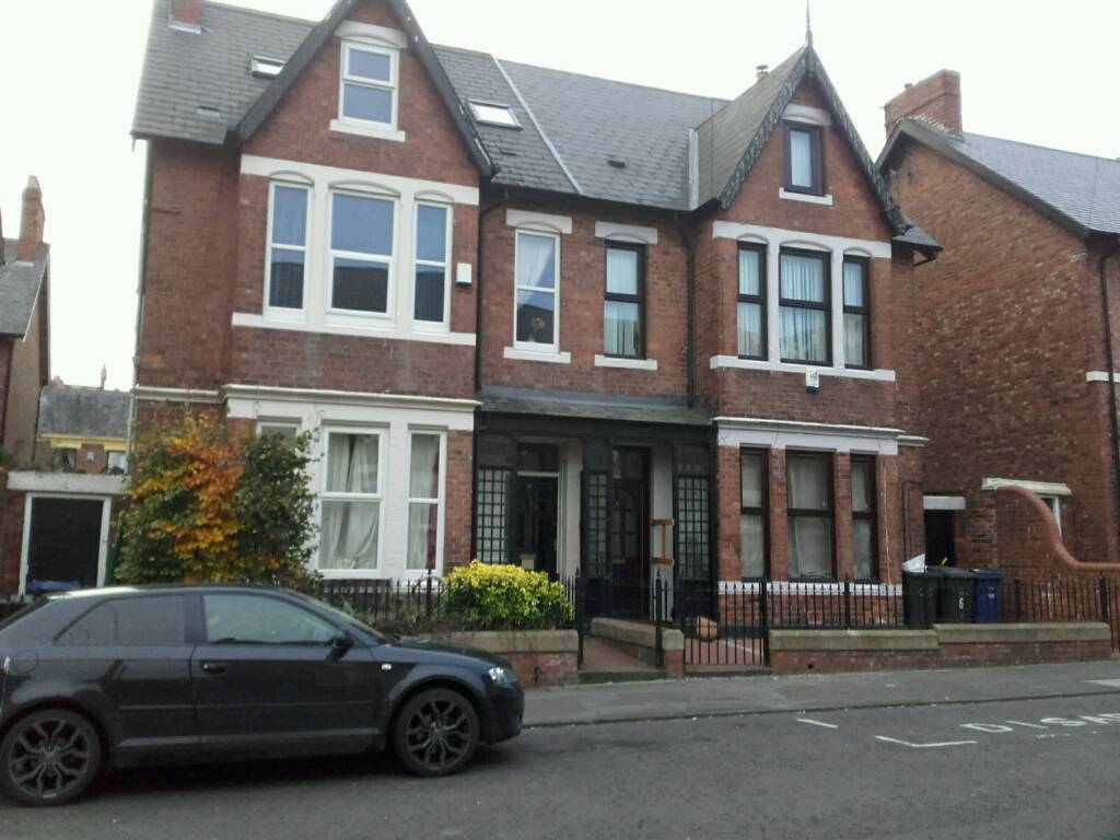 A double bedroom to rent at 8 Dilston Road Newcastle upon Tyne