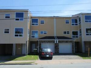 50% OFF 2nd MONTHS RENT- Central Halifax Lrg 4 Bedm Townhouse