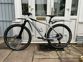 Brand-New Boardman MHT 8.8 29er adult Mountain bike