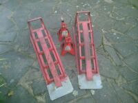 CAR RAMP AND CLARKES 3 TON AXLE STANDS