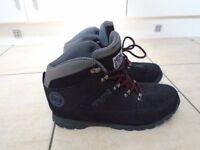 Henleys mens hiking boots