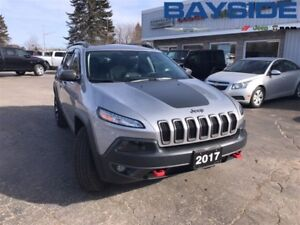 2017 Jeep Cherokee Trailhawk, BLUETOOTH, ONE OWNER