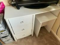 Alexis Dressing Table And Stool Set
