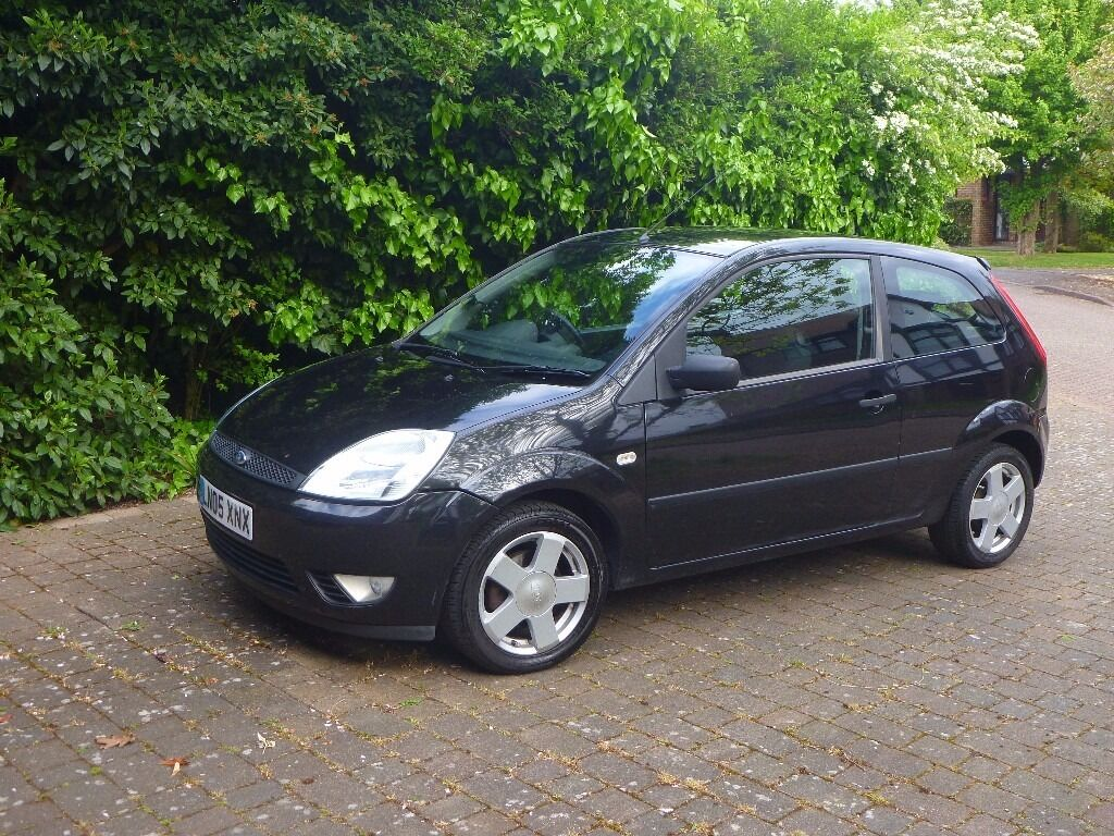ford fiesta 2005 black 3 door hatchback in pinner. Black Bedroom Furniture Sets. Home Design Ideas